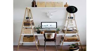 fabriquer bureau bureau à réaliser avec des échelles en bois deco cool