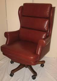 chaise de bureau en bois à fauteuil bureau original chaise de bureau bois et cuir eyebuy