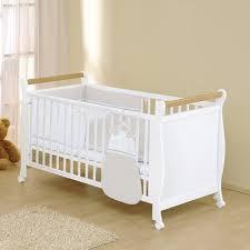 chambre bébé modulable lit bébé évolutif à barreaux timi 70 x 140 cm leipold