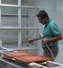 teindre armoire de cuisine décaper et teindre ses armoires de cuisine rénover sa cuisine