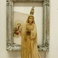Kitsch Home Decor by Vintage Musical Box Our Lady Of Fatima Virgin Mary Aged Statue