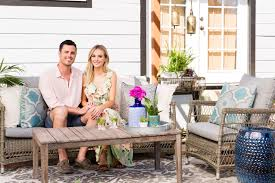 bachelor couple lauren bushnell u0026 ben higgins backyard reno most