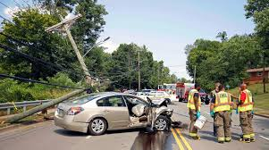 nissan altima 2013 stuck in park clarksville police respond to car crashing into a utility pole