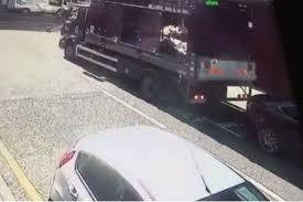lexus used car croydon watch croydon council rubbish truck driver reverses into 30 000