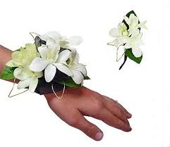 white corsages for prom corsages and boutonnieres for prom