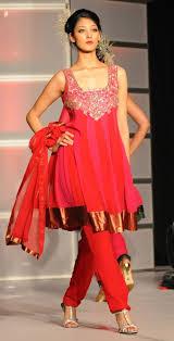 indian fashion u2013 saris lehengas salwar kameez kurtas indian
