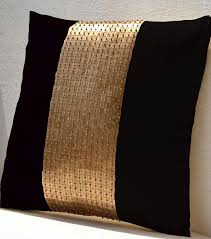 Black Sofa Pillows by Best 25 Black Pillows Ideas On Pinterest Black And White