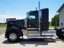 w900 used 2016 kenworth w900 tandem axle sleeper for sale in mi 1072