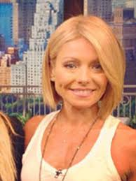 kelly ripa hair style which kelly ripa haircut do you like better