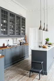 kitchen cabinets or not ah ha cabinets along wall are not 2 ft kitchen