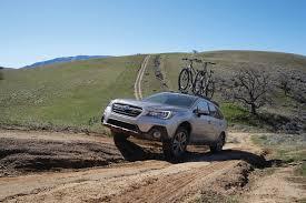 subaru u0027s 2018 outback continues its one wagon fight against suvs