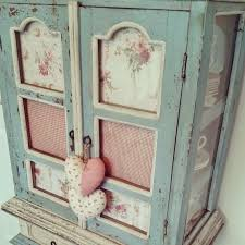 White Painted Furniture Shabby Chic by Best 20 Shabby Chic Cabinet Ideas On Pinterest Shabby Chic