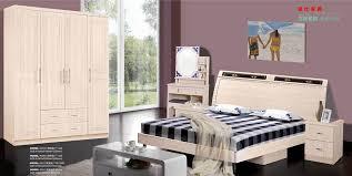modele de chambre a coucher simple chambre coucher moderne simple meubles de chambre coucher moderne