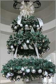 make them wonder hanging christmas tree