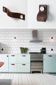 Handle Kitchen Cabinets 8 Kitchen Cabinet Hardware Ideas For Your Home Contemporist