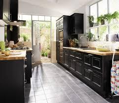 meuble de cuisine noir modele cuisine et bois idée de modèle de cuisine