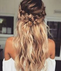 Different Hairstyles For Long Hair Best 25 Homecoming Hairstyles Ideas On Pinterest Prom
