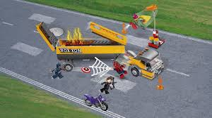 76067 tanker truck takedown products marvel super heroes lego com