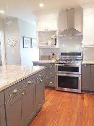 kitchen cabinets with light floor what color laminate flooring with oak cabinets laminate