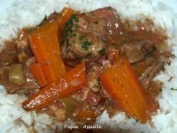 cuisiner du boeuf en morceaux boeuf confit aux carottes recettes en mijoteuse pique assiette