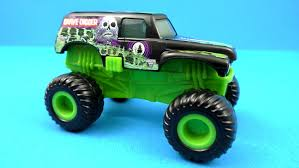 monster truck grave digger video grave digger truck 2015 mcdonald u0027s monster jam toy 5 complete set