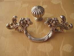 Shabby Chic Cabinet Pulls by 2 5 Shabby Chic Dresser Knobs Pulls Drawer Pull Handles Gold Cream
