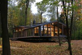 modern prefab cabin this prefab cabin was built in 10 days for only 80 000 prefab
