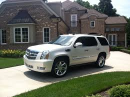 2010 cadillac escalade hybrid 2013 cadillac escalade hybrid information and photos zombiedrive