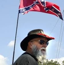 Confderate Flag Sons Of Confederate Veterans Raises Flag On 85 Foot Pole Near