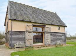 Suffolk Barns To Rent Low Farm Barn Ref 30435 In Laxfield Suffolk Cottages Com