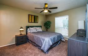 Bedroom Furniture Oklahoma City by Oklahoma City Ok Apartment Photos Videos Plans Bluff Creek In