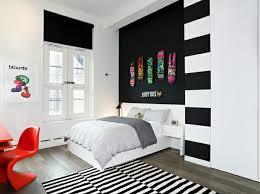 wandfarbe ideen streifen wandfarbe ideen mit elegnaten streifen in schwarz und weiß