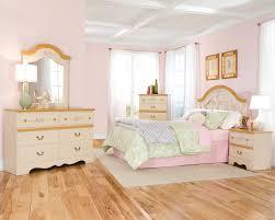 Young Girls Bedroom Sets Bedroom Ideas Curved Headboard Bed Frame For Little Girls Bedroom