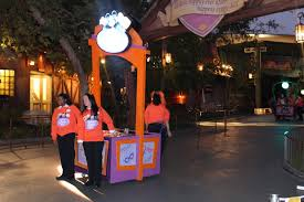 halloween party fun disneyland mickey u0027s halloween party fun guide planet moms