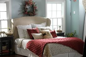 berry u0026 taupe holiday decorating ideas that transcend the season