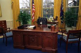 oval office table file photograph of socks the cat sitting behind the president u0027s