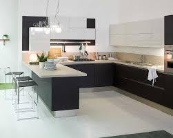 plaque granit cuisine comptoir de cuisine en bois marron foncé plaque céramique blanche