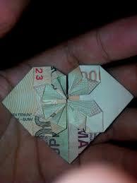cara membuat origami bunga dari uang kertas 8 hasil karya melipat uang kertas rupiah ini bakal bikin kamu takjub