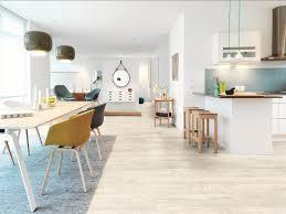 parquet dans une cuisine cuisine ouverte on mise sur les sols design home le magazine