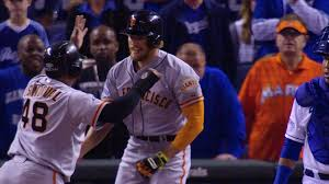 hunter sports fan series hunter pence responds to royals fan signs with monster game 1 mlb com