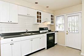 Black Kitchen Countertops by Kitchen Backsplashes With White Cabinets Black Kitchen Stove Decor