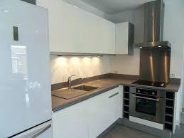 cuisine grise plan de travail noir cuisine grise avec plan de travail noir plan travail cuisine cuisine