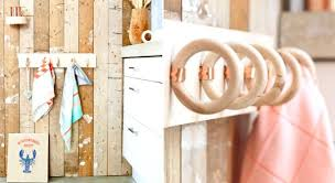 torchons et serviettes cuisine porte torchon cuisine mural le site primafr vous propose dans un