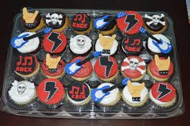 halloween birthday cupcake ideas rockstar cupcakes i need to add motley crue somehow sully