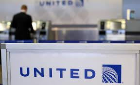 united airlines help desk united airlines loses 10 year old enters social media hell