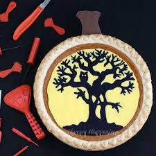 Plate Decorating Ideas For Desserts Decorate A Pumpkin Pie Using A Pumpkin Carving Pattern