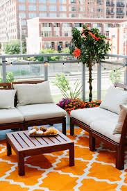 ikea patio furniture jen serafini u0027s chicago apartment tour apartments chicago and patios