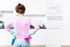 what s the best thing to clean kitchen cabinets with how to keep your kitchen clean oakland home cleaning