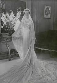 42 glamorous wedding dresses from between the 1920s and 1930s
