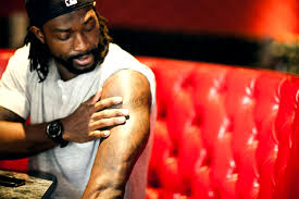 chicago bears charles tillman on being a strict dad romancing his